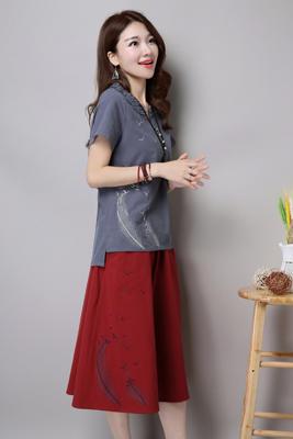 8605短袖灰色上衣-红色裙子